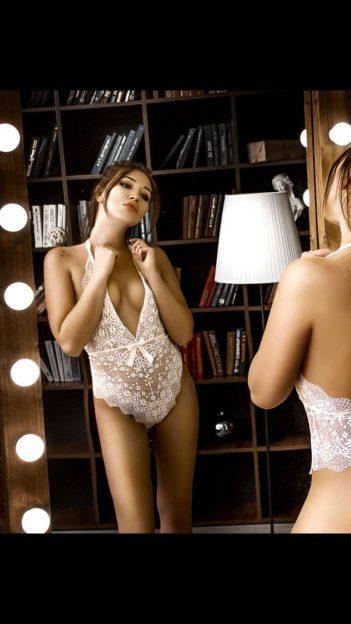 Angelina Escort Model