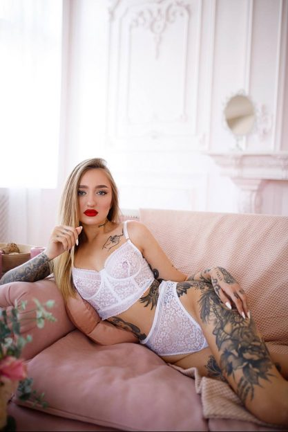 Escort Model Anna