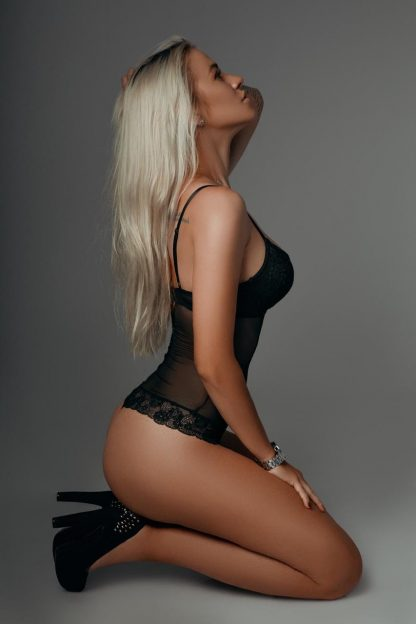 Emma Escort Model